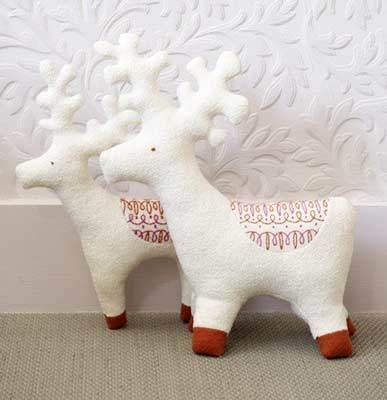 free reindeer stuffie pattern