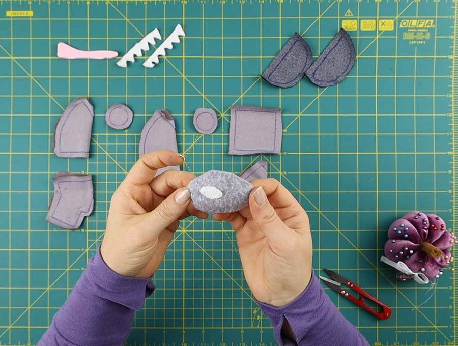 sew the glint on the imposter's visor first
