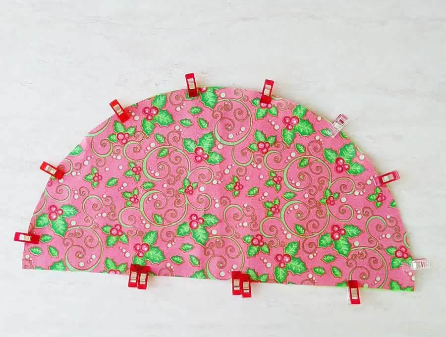 making the christmas tree napkins - pinned fabrics