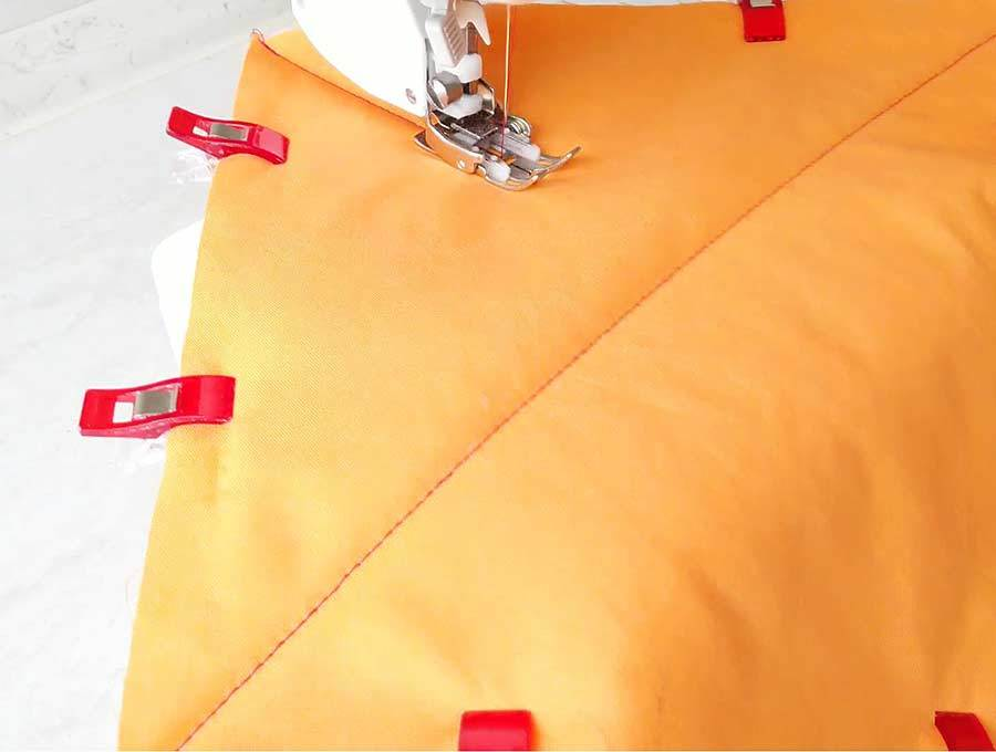 how to sew hot pads - sewing an X