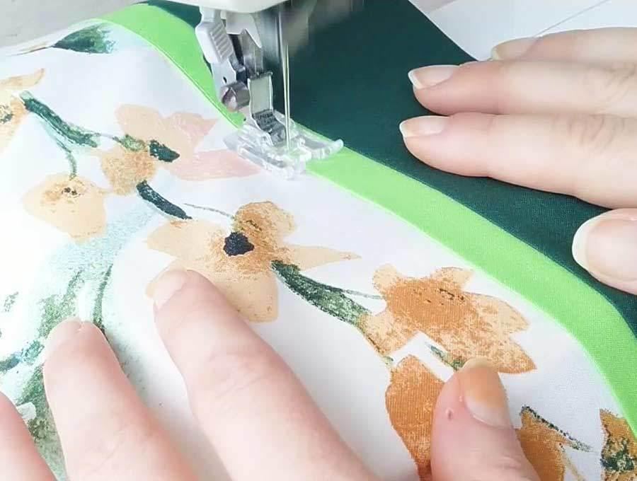 Top-stitching of pillowcase trim