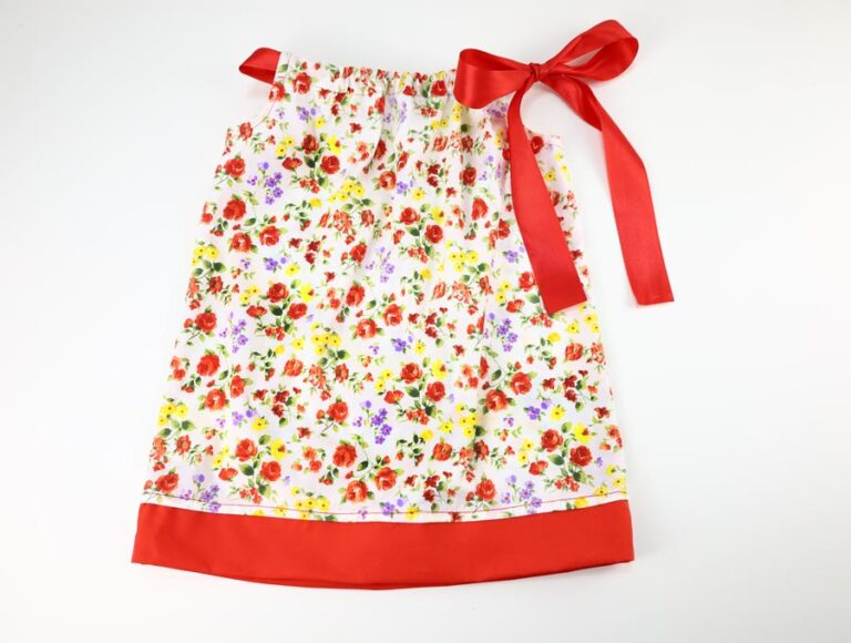 Free Pillowcase Dress Pattern and Size Chart (for Girls)