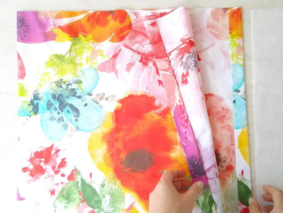 hem of the reusable shopping bag
