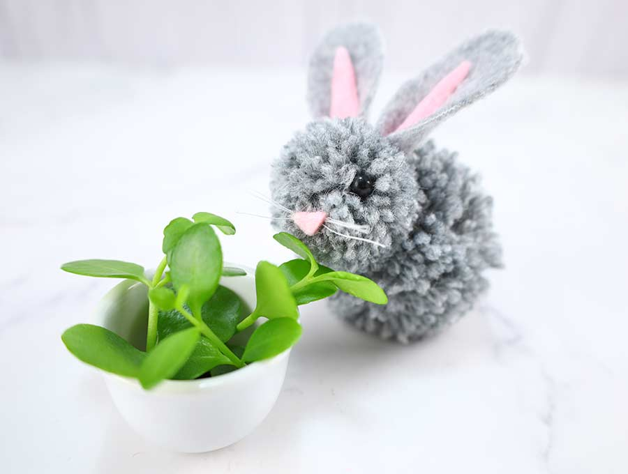 diy yarn bunny with grass