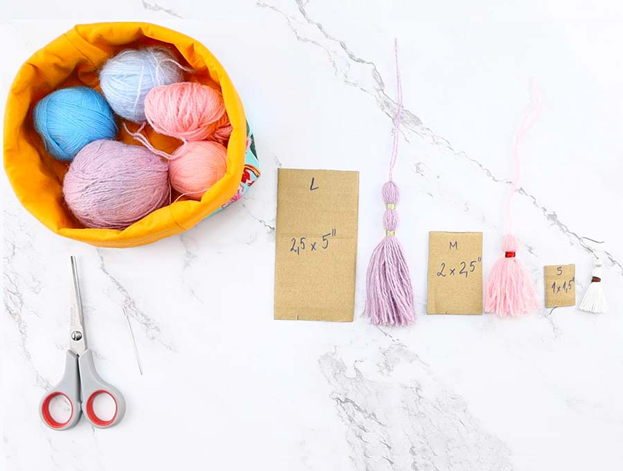 diy yarn tassels sizes of cardboard