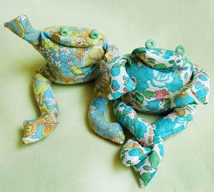 easy frog stuffie pattern