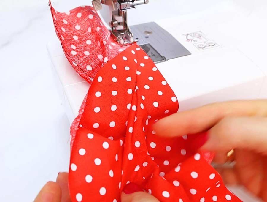 hair bun maker stitching the second long side