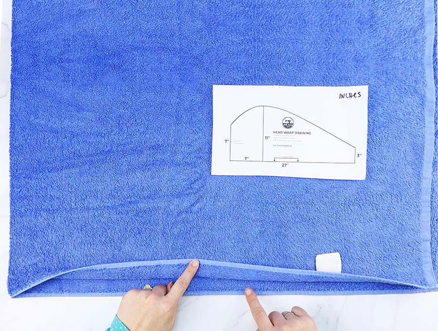 matching the finished bottom edges of bath towel to make hair towel wrap