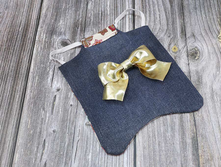 homemade chicken apron with a bow