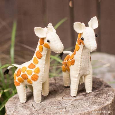 felt giraffe stuffies