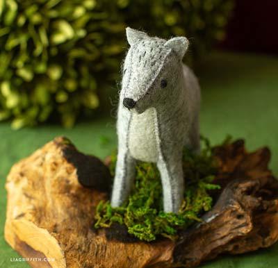 felt wolf pattern