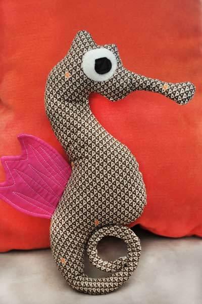 free stuffed seahorse pattern
