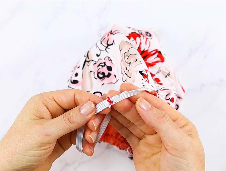 shower cap stitching the elastic