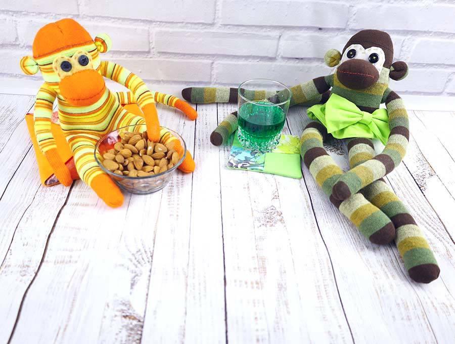 sock monkeys - free stuffed animals pattern, tutorial and video