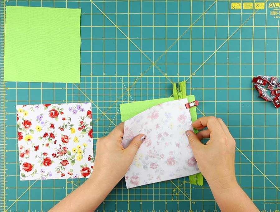 making of the triangle coin purse - stacking fabrics