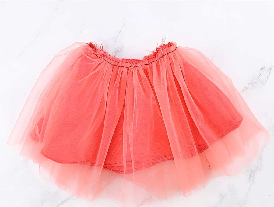 join tulle and lining of the diy tulle skirt