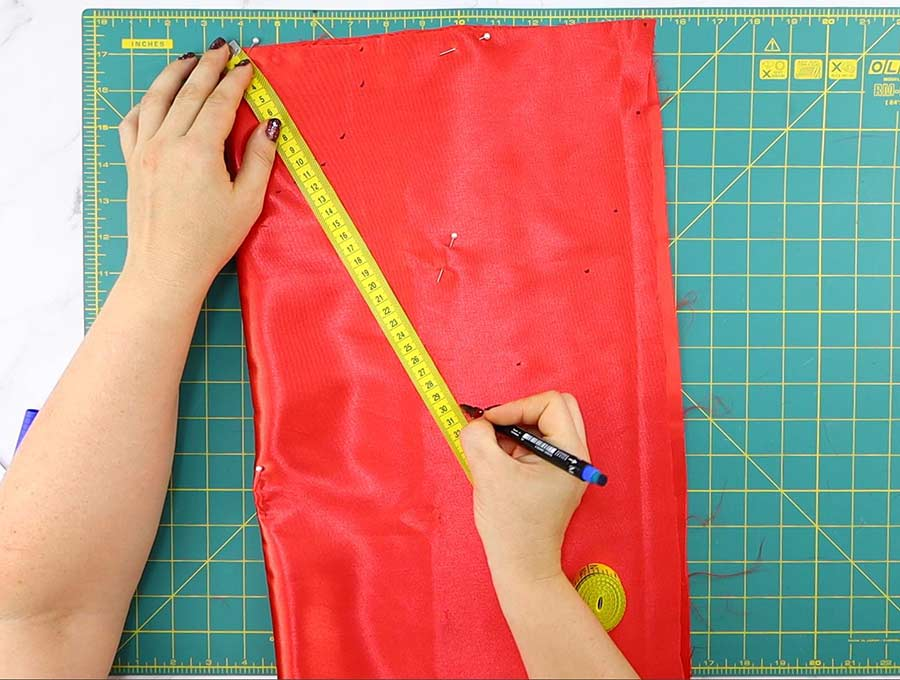 making lining of the diy tulle skirt