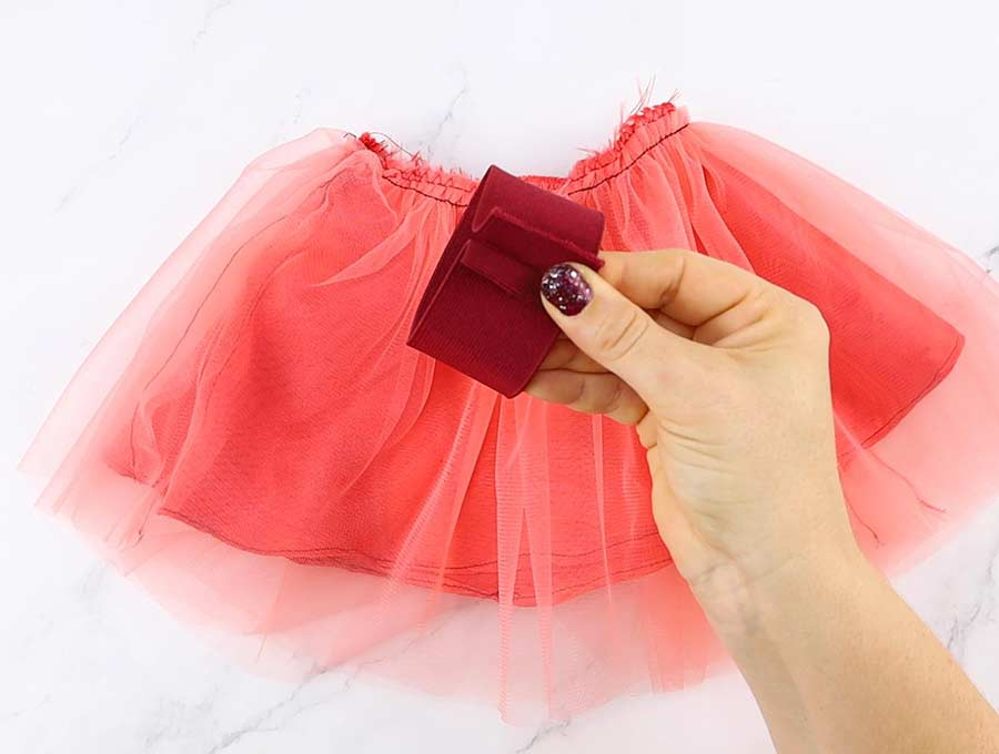 sew the elastic band of the tulle skirt