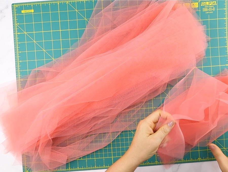 tutu skirt unfolding the strips